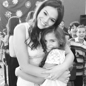 Bruna Marquezine com a irmã (Foto: Instagram / Reprodução)