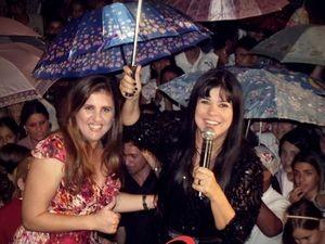 Cantoras Mara Maravilha e Grace Fernandes em Campo do Brito (Foto: Baladeiro Vip)