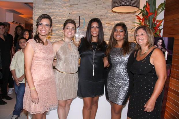 Juliana Paes (Foto: Alex Palarea e Delson Silva / AgNews)
