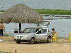 Carro é flagrado estacionado na areia da Praia da Graciosa em Palmas