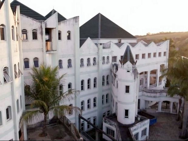 Obra de 'castelo' de José Rico começou há cerca de 24 anos em Limeira (Foto: Reprodução/TV Globo)