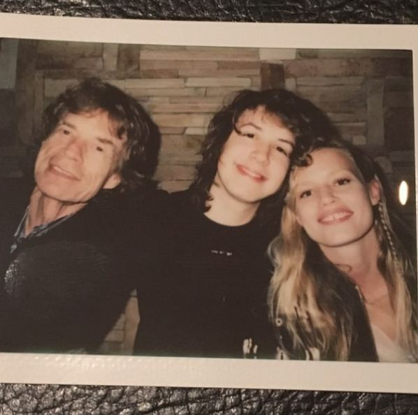 Georgia May Jagger celebra aniversário do pai com foto em família (Foto: Reprodução/Instagram)