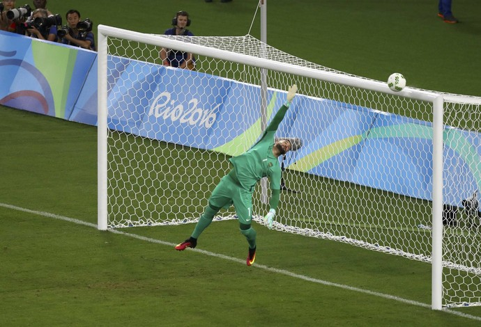 Travessão Brandt Weverton Brasil Alemanha futebol masculino Olimpíada Rio 2016 (Foto: Reuters)