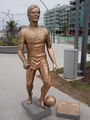 Estátua do Leandro, ex-lateral do Flamengo (Foto: Gustavo Garcia)