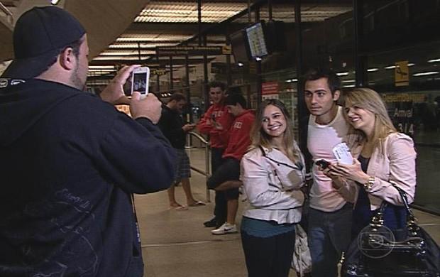 Meia argentino Martinuccio desembarca em Belo Horizonte (Foto: Reprodução TV Globo Minas)