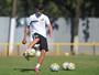 Vitor Bueno diz que o Santos precisa aprender com as derrotas para vencer