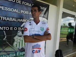 Zecão, treinador, supervisor, Uberlândia Esporte Clube (Foto: Gullit Pacielle)