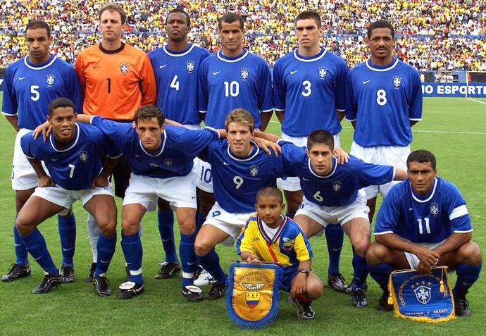 Romário Juninho Paulista Brasil Equador março 2001 (Foto: Getty Images)