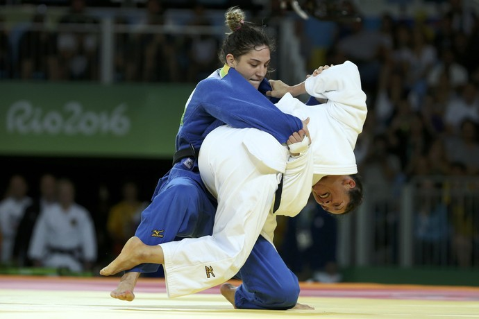 Mayra Aguiar, luta pelo bronze (Foto: Reuters)