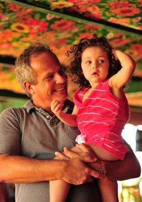 Jayme Monjardim com sua pequena Maysa (Foto: Divulgação/TV Globo)