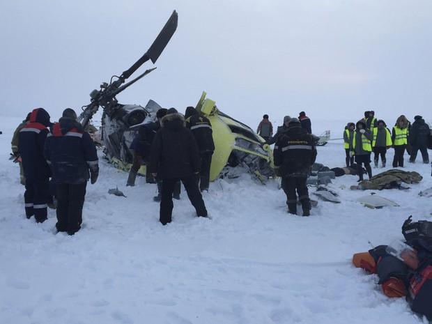Queda de helicóptero deixou mortos na Síberia nesta quinta-feira (26) (Foto: Russia's Emergencies Ministry in Krasnoyarsk region/Handout via Reuters)