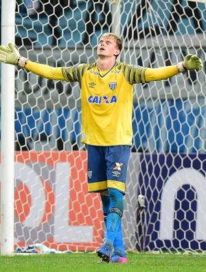 Douglas, Avai x Grêmio (Foto: Futura Press)