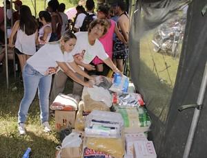 600 quilos de alimentos foram arrecadados pelo evento. (Foto: Valdivan Veloso / Globoesporte.com)
