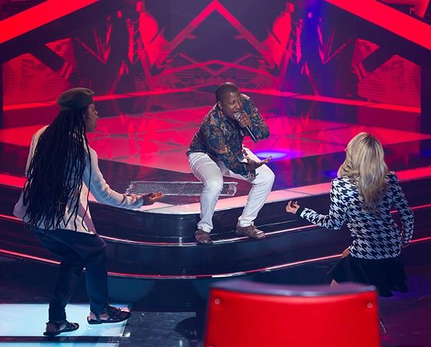 De pertinho! Gabriel Silva traz Claudia Leitte e Carlinhos Brown para perto do palco (Foto: Isabella Pinheiro)