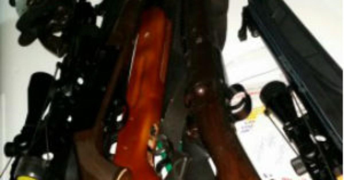 Confronto com polícia mata homem e leva PM a 14 armas de fogo ... - Globo.com