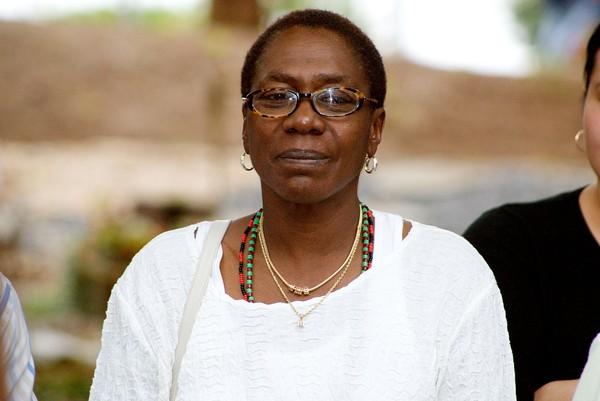 Afeni Shakur, mãe do rapper Tupac, morre aos 69 anos, diz site