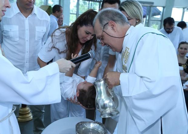 Batizado de Salvatore, filho de Antonia Fontenelle e Jonathan Costa (Foto: Anderson Borde/AgNews)