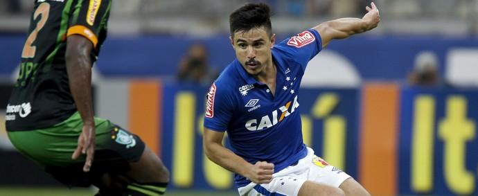 Willian, atacante do Cruzeiro (Foto: Washington Alves / Lightpress)