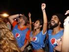 Tiago Abravanel se acaba de pular e dançar em show de Ivete Sangalo