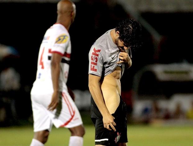 Pato no jogo do Corinthians contra o Botafogo-SP (Foto: Daniel Augusto Jr. / Ag. Corinthians)
