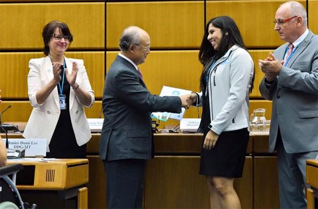 Alice Cunha, da UFRJ, venceu a edição 2015 da Olimpíada Mundial Nuclear (Foto: Reproução/World Nuclear University)
