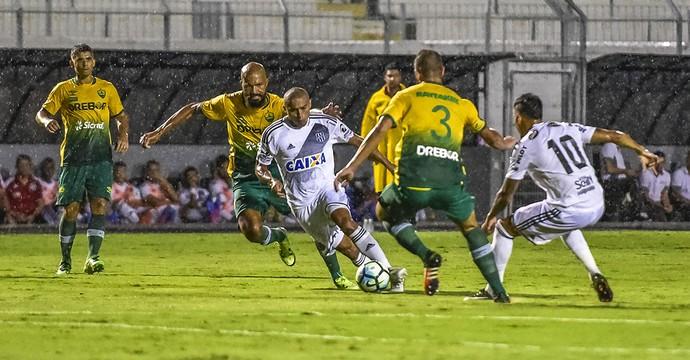 Ponte Preta x Cuiabá Copa do Brasil (Foto: Fábio Leoni / PontePress)