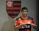 """Com camisa 19, Conca é apresentado no Flamengo: """"Motivo de orgulho"""""""