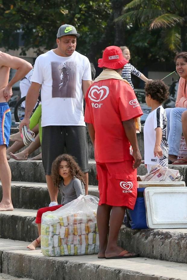 Ronaldo e Celina Locks (Foto: Delson Silva / Agnews)