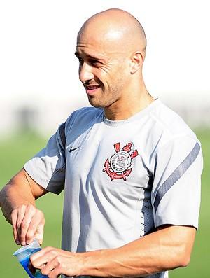 Alessandro no treino do Corinthians (Foto: Marcos Ribolli / Globoesporte.com)