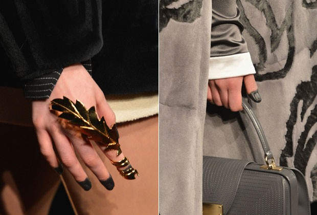 Modelos com as unhas borradas no desfile de Thom Browne, na NYFW (Foto: Getty Images)