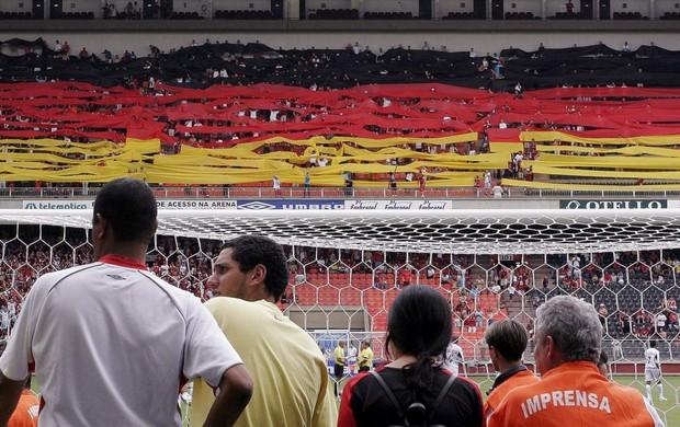 Mosaico da bandeira da Alemanha para Matthäus no Atlético-PR (Foto: Reuters)