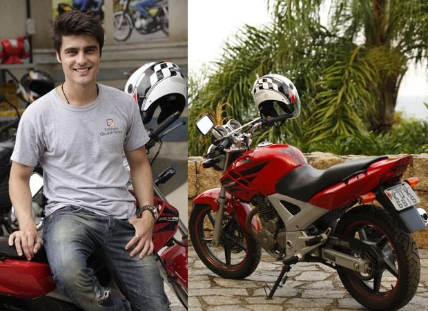 Vitor e sua moto (Foto: TV Globo/Malhação)