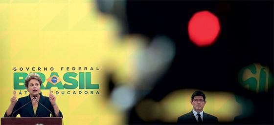 Dilma Rousseff e Joaquim Levy  (Foto: Ueslei Marcelino/Reuters)