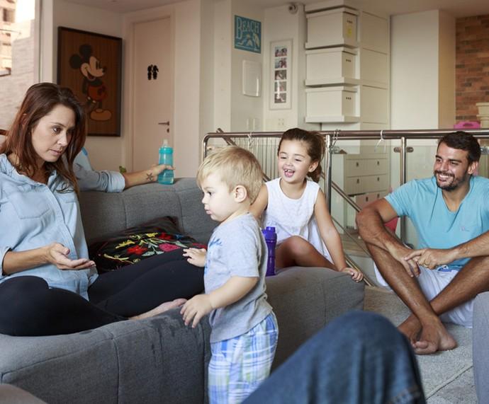 Dani e o marido Felipe Uchôa curtem momento em família (Foto: Ellen Soares/Gshow)