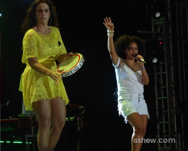 Mais uma participação especial, Mariene de Castro canta com Ivete (Foto: SuperStar / TVGlobo)