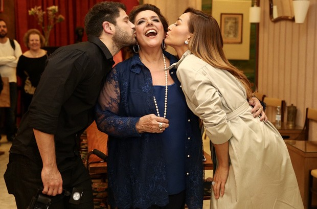 Duda Nagle, Leda Nagle e Sabrina Sato (Foto: Manuela Scarpa/Brazil News)