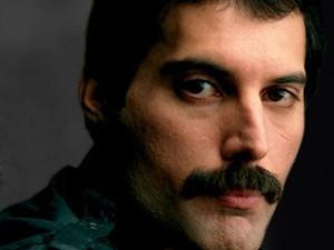 O vocalista Freddie Mercury, do Queen (Foto: Divulgação)