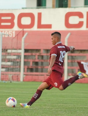 Jovem meia Maycon, de 19 anos, busca sequência na equipe titular (Foto: Henrique Montovanelli/Desportiva Ferroviária)