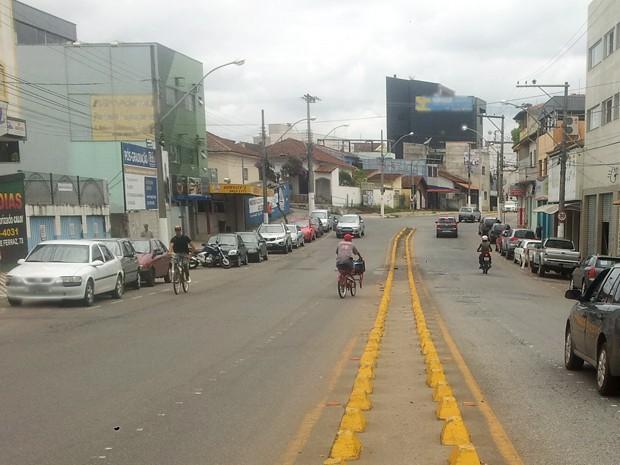 Projeto-piloto de ciclofaixa em Pouso Alegre (MG) deve ser implementado a partir de 1º de fevereiro (Foto: Daniela Ayres/ G1)