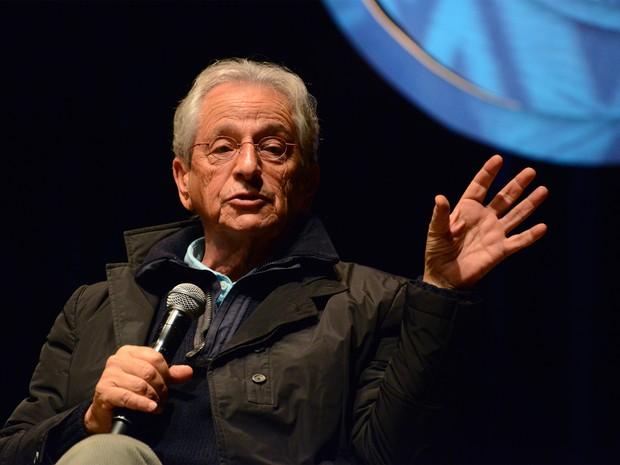 Fernando Gabeira criticou o governo federal durante palestra no Fronteiras do Pensamento (Foto: Luiz Munhoz/ Divulgação)