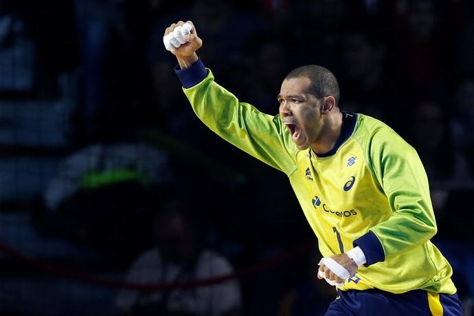 Maik goleiro Brasil x Polônia Mundial de Handebol (Foto: Reuters)