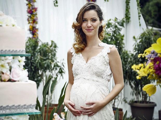 Laura vai aparecer pela primeira vez com barriga de grávida (Foto: Raphael Dias/Gshow)