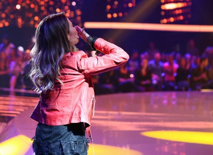 Sandy mandando beijinho (Foto: Isabella Pinheiro/Gshow)