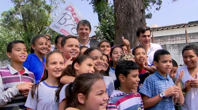Fernando Haddad faz campanha no CEU Jaguaré