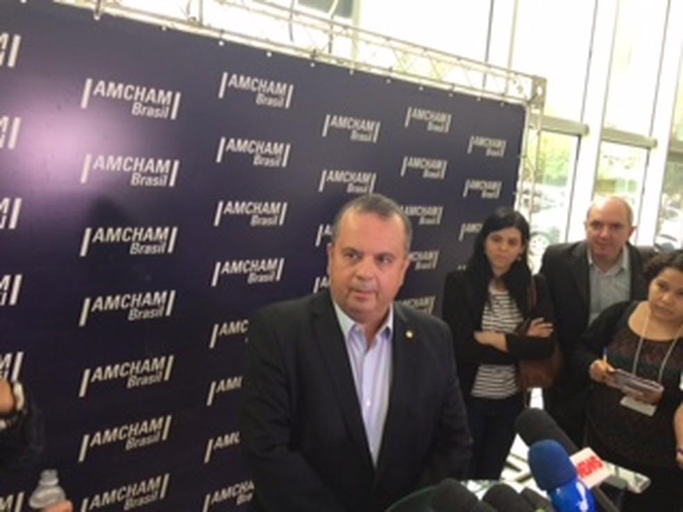 Rodrigo Maia coloca novamente em votação urgência para reforma trabalhista
