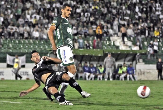 Neto chapecoense Guarani Ponte Preta (Foto: Rodrigo Villalba / Memory Press)
