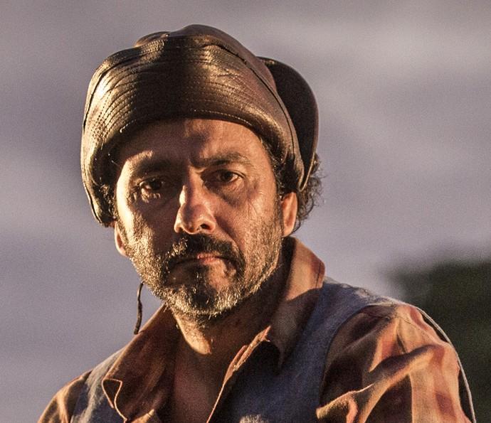 Afrânio sugere a Cícero que ele deixe a fazenda dos de Sá Ribeiro para ser feliz com Dalva (Foto: Felipe Monteiro/ Gshow)