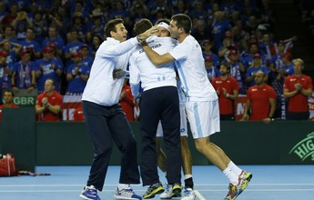 Mayer passa por Evans no 5º jogo, e Argentina enfrenta a Croácia na final
