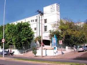 Hospital Santa Lucinda já tinha suspendido atendimentos do SUS (Foto: Divulgação)