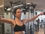 Luciana Gimenez mostra corpo em forma em tarde na academia